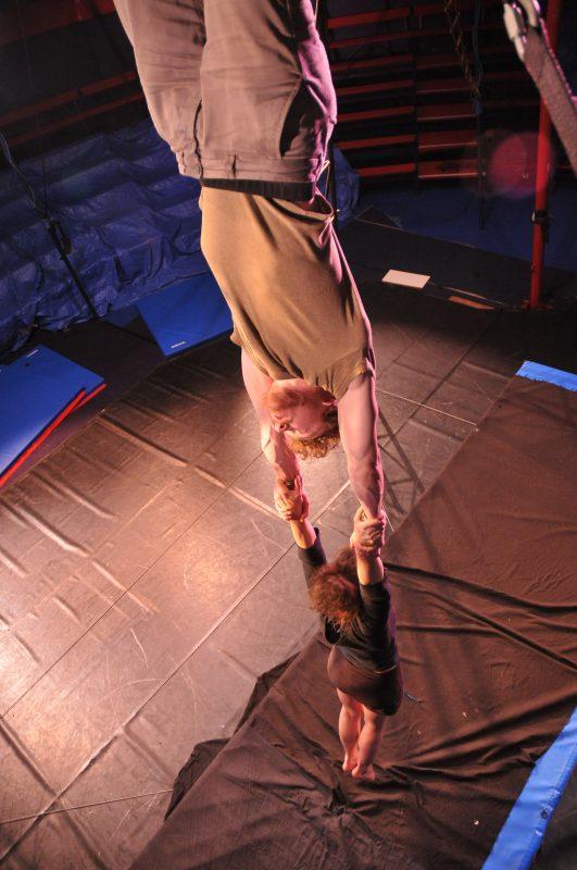 Antoine , Inès - acrobatie aérienne
